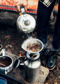 Camping outdoors is such a pleasure. I guess when I go camping, I actually go glamping. That is a cross between glam and camping. What do you need to camp with me? Camping Guide, Camping Meals, Tent Camping, Camping Hacks, Camping Cooking, Camping Trailers, Camping Recipes, Camping Stuff, Fancy Camping Food