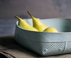 Ceramic Bowl Blue Ceramic Serving Bowl Modern Fruit by FreeFolding Blue Pottery, Pottery Bowls, Pottery Ideas, Glazed Ceramic, Ceramic Bowls, Modern Fruit Bowl, Lasagne Dish, Bowl Light, Blue Dinnerware