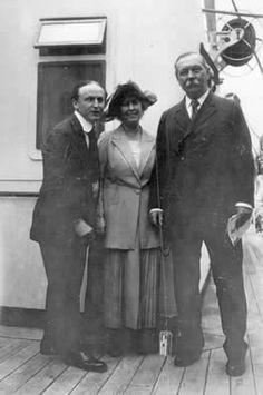 Conan Doyle with Houdini (23 June 1923)