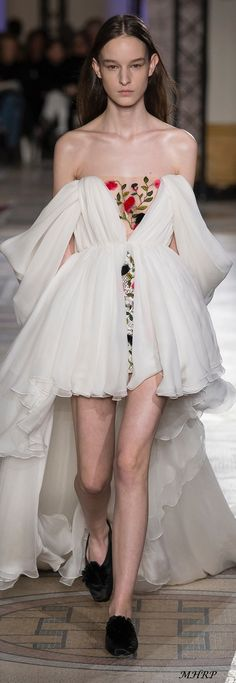 Giambattista Valli Spring 2018 Couture_image pinned from vogue.com