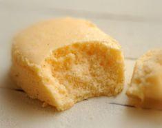 半熟ち~ず (半熟チーズケーキ) 低温焼成で、すごくしっとりやわらか、くちどけの良い仕上がりのチーズケーキです。