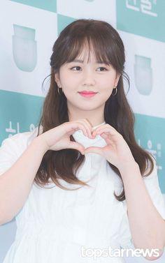 Kim So Hyun 180531 Hanyul Event Korean Beauty, Asian Beauty, Kim So Hyun Fashion, Hyun Kim, Kim Sohyun, Kim Myung Soo, Korean People, Cute Korean Girl, Asian Celebrities