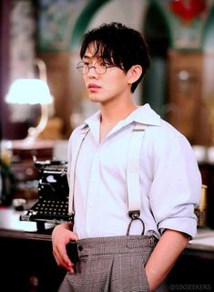 """The various findings in """"Chicago Typewriter"""": The journey to find the soul of writing & a writer's critical self-reflection Korean Drama Movies, Korean Dramas, Asian Actors, Korean Actors, Yoo Ah In, Weightlifting Fairy Kim Bok Joo, Acting Skills, Kdrama Actors, Sleepless Nights"""