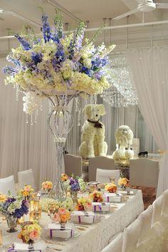 Casamentos de luxo, requinte e perfeição precisa das decorações de Preston Bailey. Luxo e requinte em todos os detalhes.