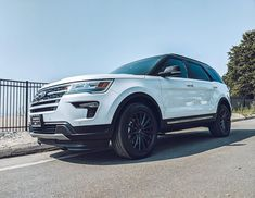 The Ford Explorer: the perfect priced family SUV  #regram via @stamfordfl Family Suv, Best Family Cars, New Ford F150, 2020 Ford Explorer, 2019 Ford, Limited Slip Differential, Car Insurance, Ford Trucks, Mustang