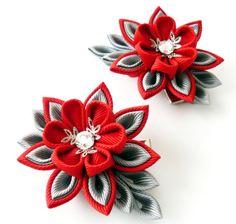 Flores de tela Kanzashi. Juego de 2 pinzas de pelo. Rojo y gris.