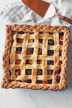 ◼️ Peaches and blackberries peek through the lattice of this summer pie. ☀️🥧 Get the recipe from the Williams Sonoma Test Kitchen Pie Cookbook using the link in bio. Blackberry Pie Recipes, Tart Recipes, Sweet Recipes, Dessert Recipes, Autumn Pie Recipes, Clean Recipes, Williams Sonoma, Fall Desserts, Just Desserts