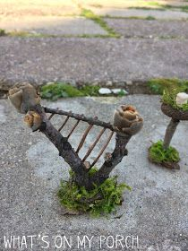 Best DIY Fairy Furniture - ideas and images Fairy Houses Kids, Fairy Garden Houses, Gnome Garden, Fairies Garden, Birdhouse Craft, Birdhouse Designs, Twig Crafts, Garden Crafts, Diy Fairy Door