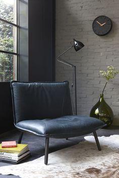C'est Het Kabinet qui a aidé Stefan et Annemarie à décorer et meubler leur loft en centre ville d'Amsterdam. Ils désiraient une décoration design et cool, qui convienne à ce grand volum…