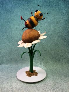 Bouncing Betty Bee 3D Cake created by Chef Benny Rivera from City Cakes.