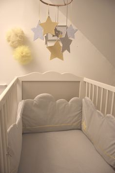 Tour de lit nuage. #kids #room