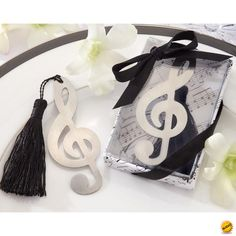 Can you hear the two-part harmony, as you will be a timeless duet for the rest of your lives. Share your love for music as you give the gift of our treble clef bookmark.Features and facts: Music-symbol treble clef brushed-metal openwork bookma Wedding Favors For Guests, Unique Wedding Favors, Wedding Gifts, Wedding Decoration, Baby Wedding, Wedding Songs, Elegant Wedding, Wedding Reception, Wedding Cakes