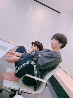 Bts Cute, Foto Jungkook, Jimin Jungkook, Foto Bts, Bts Taehyung, Bts Bangtan Boy, Jungkook Fanart, Bts Book, Bts Concert