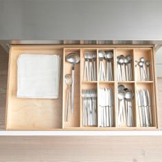 The interior organization system in b1 is made from high-quality, solid birch wood. You can choose inserts for spices, knives, cutlery and utensils