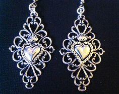 Sacro cuore gioielli orecchini barocco rococò fiammeggiante Milagros sacro cuore filigrana cuore stile rococò di Gypsy rosso gioielli