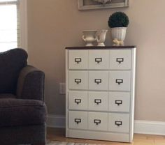 Do THIS to an old dresser to turn it into the best accessory for your living room!