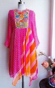 Stylish Kurtis Design, Stylish Dress Designs, Short Kurti Designs, Kurta Designs, New Designer Dresses, Indian Designer Outfits, Indian Dress Up, Indian Attire, Indian Outfits