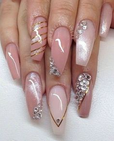 The Best Nail Art Designs – Your Beautiful Nails Glam Nails, Fancy Nails, Bling Nails, Nude Nails, Beauty Nails, Coffin Nails, Pastel Nails, Diy Nails, Fabulous Nails