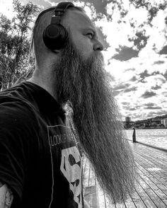 Bald With Beard, Beards, Riding Helmets, Hipster, Mens Fashion, Big Beard, Moda Masculina, Hipsters, Man Fashion