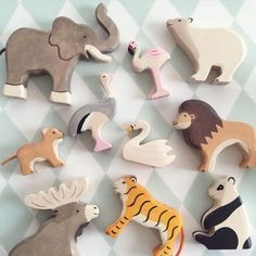 elinochalva - environmentally friendly wooden animals - Wood How to Crafts Wooden Animal Toys, Wood Toys, Wooden Baby Toys, Natural Toys, Natural Baby, Eco Kids, Eco Baby, Eco Friendly Toys, Whittling