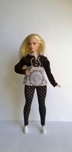 red Curvy barbie leggings Curvy barbie clothes Curvy style leggings