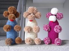 Took a long time to understand the purpose of these animals :) Poodle, Wine Bottle Covers, Crochet Animals, Bottle Crafts, Kitsch, Diy And Crafts, Little Girls, Knit Crochet, Crochet Patterns