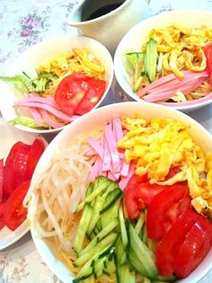 """To: Atsuhiro831  私のは、ダイエットの為にもトマトたっぷりq(ꀛ ˄̮ ꀛ ๑)pヵ""""ンハ""""❢ 本日はわたくし休肝日でございますwww - 28件のもぐもぐ - ♡今夜は野菜タップリ冷麺♡ by yukkki"""