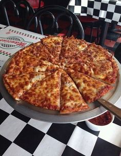 pizza, food, and yummy Think Food, I Love Food, Good Food, Yummy Food, Sleepover Food, Food Goals, Mets, Aesthetic Food, Cute Food