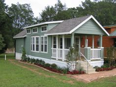 29 awesome cottage style mobile homes images park model homes rh pinterest com