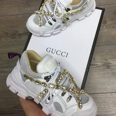Beautifuls tennis gucci4I love very much,comment you like😍😮😱😱😱😱❤#samie#gucci #guccisneakers #diamond #diamonds #ilovetennis #shoes #beautifulshoes #guccilover #guccilove #sneakers #sneakersfashion #preciosa #newyork #newshoes #publicidad #zapatillas #guccishoes #guees #channel #jennie #lisa #jisoo #soyaa #surprises #regalosoriginales#friday #fridaylove Gucci Sneakers, Gucci Shoes, Sneakers Fashion, Dog Lover Gifts, Dog Lovers, Friday Love, Jennie Lisa, Beautiful Shoes, New Shoes