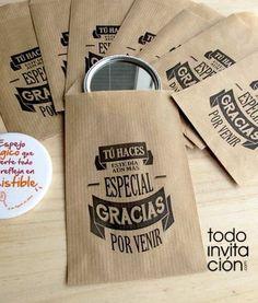 """Bolsas pequeñas de kraft para pequeños regalos o detalles de tu boda, bautizo o comunión """"GRACIAS POR VENIR"""". Envuelve tus regalos de una forma original. Un regalo original envuelto original, 2 veces original."""