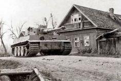 Tiger N°213 of Otto Carius Zugführer in 2.Kompanie schwere Pz-Abt 502, Chernovo, Russia.