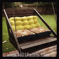 Porch swing from pallets | 1001 Pallets