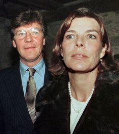 Seit zehn Jahren sorgt das blaublütige Ehepaar für Glamour - und massenhaft Boulevard-Schlagzeilen: Prinzessin Caroline von Monaco und Prinz Ernst August von Hannover. Das Bild stammt aus dem Jahr 1999. - Abendzeitung München