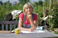 Pin 2: Francine Oomen is geboren in 26 maart 1960. Eerst heeft ze boeken voor kleuters en kleine kinderen geschreven en toen begon ze met het schijven van de serie Hoe Overleef Ik....