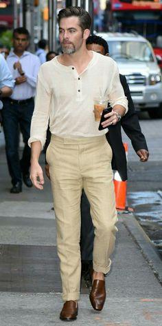 Chris Pine, fan of beige and coffe