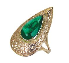 Gold ring with green quartz and yellow diamonds // anillo de oro con cuarzo verde y diamantes amarillos www.art-jeweller.com