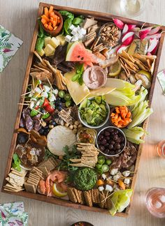 Perfect platters: Serving up New Zealand's best – Warren Elwin's bountiful platter serves up gourmet Kiwi foods and produce – Bite