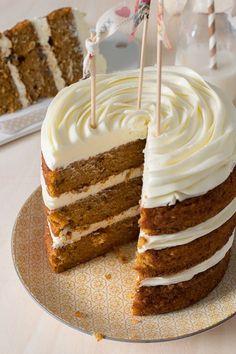 The Sweetest Taste: Carrot cake Sweet Recipes, Cake Recipes, Dessert Recipes, Carrot Cake Decoration, Bolos Naked Cake, Petit Cake, Sweet Cooking, Sweet Tarts, Drip Cakes