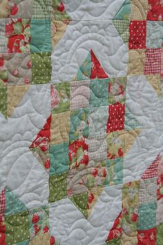England Street Quilts: Briar Rose - A Finish and a Free Jelly Roll Pattern or uses 114 charm squares (i think)