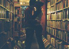 couple kiss books - Pesquisa Google