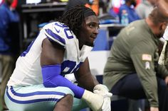 Watch: NFL Sack-leader DeMarcus Lawrence gets the strip-sack and Cowboys recover Demarcus Lawrence, Kirk Cousins, Dallas Cowboys, Nfl, Watch, Clock, Dallas Cowboys Football, Bracelet Watch, Clocks