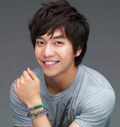 "LEE SEUNG GI- ""Shining Inheritance"" as Seon Woo Hwan (2009) ""My Girlfriend is a Gumiho"" as Cha Dae Woong (2010) ""King 2 Hearts"" as Lee Jae Ha (2012) ""Gu Family Book"" as Kang Chi (2013) ""1 Night 2 Days"" as himself, Kpop star"