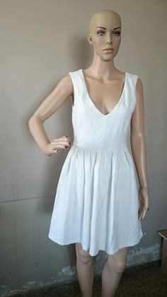 White Back Hollow-out Deep V-neck Sleeveless Plaid Dress, - (699 INR)