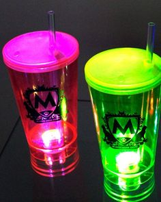 Neon Party, Led, Shot Glass, How To Plan, Tableware, Personalized Mugs, Birthday Party Ideas, Ideas Para Fiestas, Hulk Party
