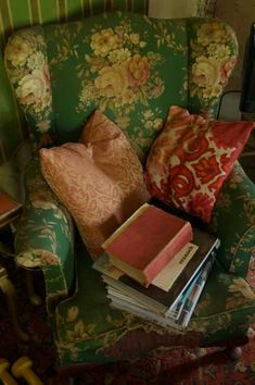 www.hillendpress.com.au - Books and old armchairs at the Hill End Press studio