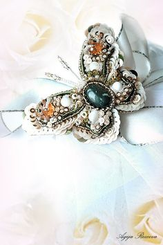 Nature jewelry, insect jewelry, butterfly jewelry, butterfly brooch, bead embroidery, beaded buttefly. MADE TO ORDER #Etsy #