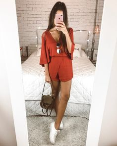 10 summer looks with macaquinho - White tennis, brown bag, mac . Outfits Primavera, Style Casual, Casual Looks, Girl Fashion, Fashion Looks, Fashion Outfits, Fashion Trends, Mode Outfits, Trendy Outfits