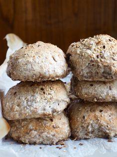 Eltefrie speltrundstykker med frø - Mat På Bordet Food N, Food And Drink, Norwegian Food, Scandinavian Food, No Knead Bread, Healthy Baking, Bread Baking, I Love Food, Kids Meals