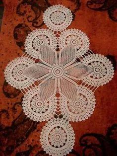 Home Decor Crochet Patterns Part 47 - Beautiful Crochet Patterns and Knitting Patterns Crochet Dollies, Crochet Doily Patterns, Crochet Motif, Hand Crochet, Crochet Flowers, Crochet Lace, Crochet Stitches, Knitting Patterns, Crochet Table Runner